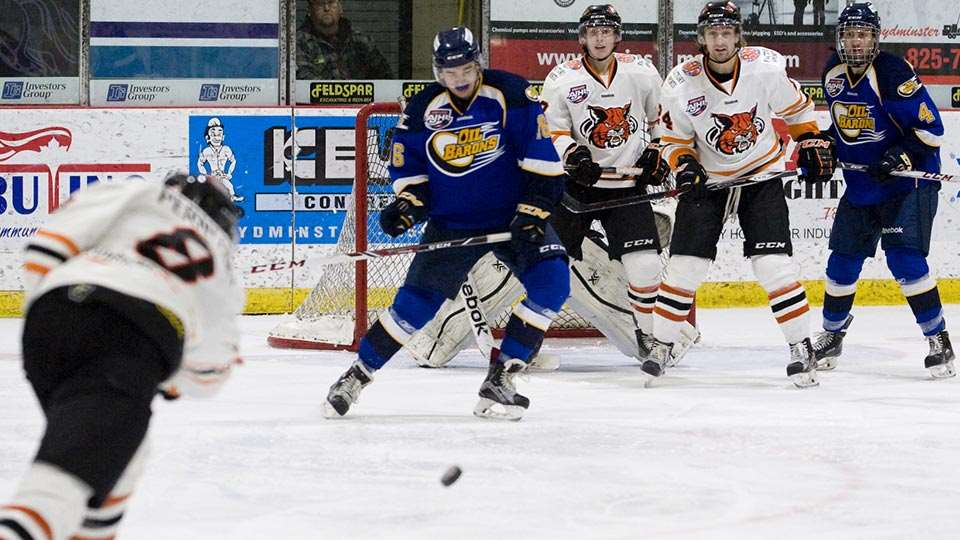 lloydminster bobcats action 3