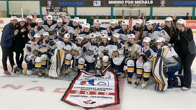 2019 esso cup st albert gold medal team photo 2??w=640&h=360&q=60&c=3