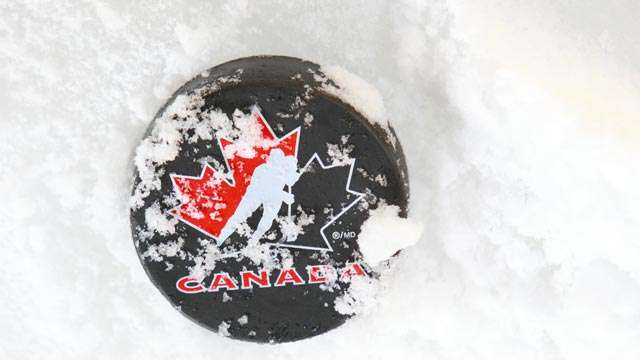 how to become a hockey coach in canada