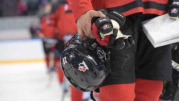 hemet gloves logo front