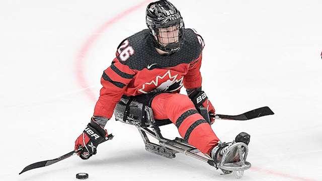 jacobs  webb balancing school hockey??w=640&h=360&q=60&c=3