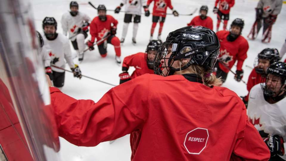 2020 21 nwt poulin practice