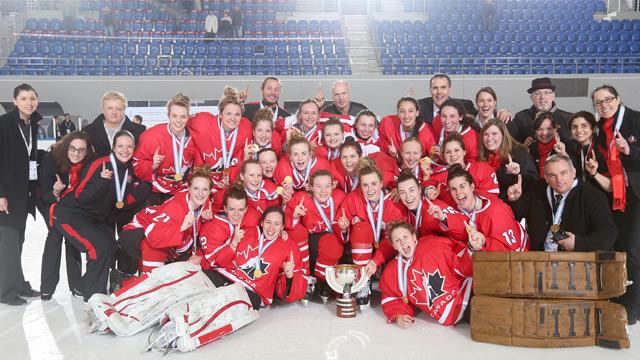 2014 wwu18c mar30 gold celeb team photo 640?q=60